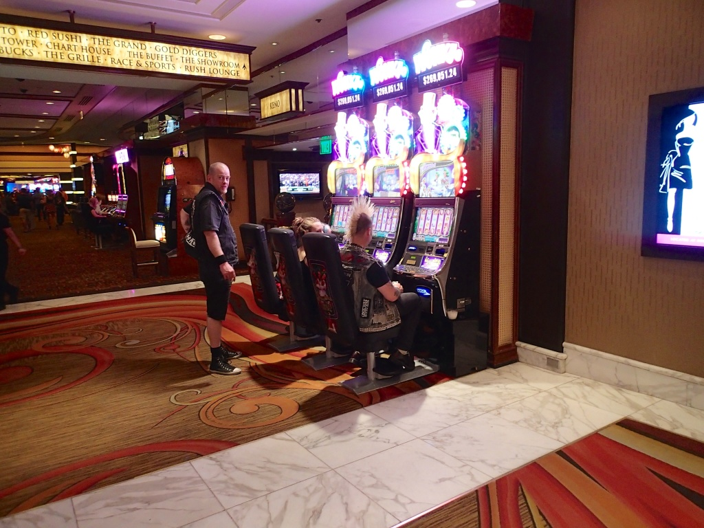Punks In Vegas...Playing slots