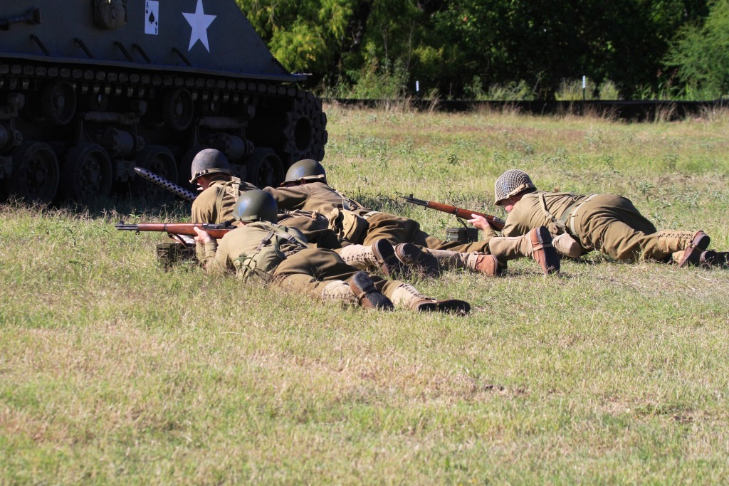 American Fire Team with 30 Cal light Machine Gun and Supporting team